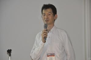 神奈川工科大学 情報メディア学科 特任准教授の<br />中村 隆之氏。かつてナムコのスタッフとして<br />「ことばのパズル もじぴったん」シリーズ<br />などを手がけた経人物だ