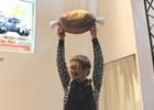【ジャンプフェスタ2015】辻本プロデューサー・藤岡ディレクターによるコラボ装備プレイも!「モンスターハンター4G スーパーステージ」レポート