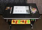 レトロゲーム互換機「レトロフリーク」を内蔵したテーブル筺体が販売開始!