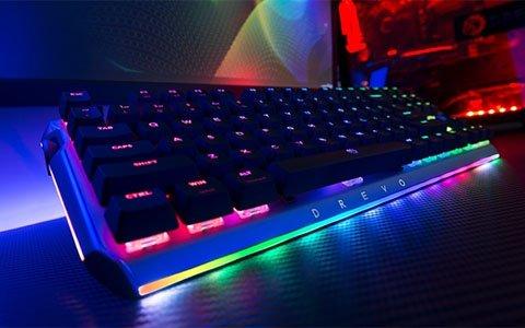 ゲーミングキーボード「BladeMaster」がCAMPFIREにてクラウドファンディングを開始