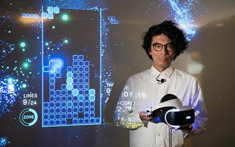 """""""まるでメディアアート""""―俳優・片桐仁が「TETRIS EFFECT」VRモードをプレイする動画が公開!"""