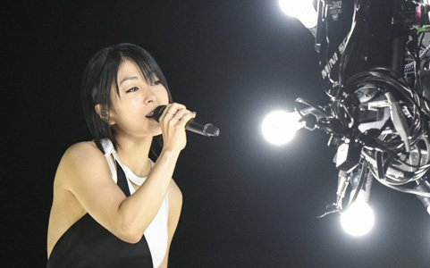 "「Hikaru Utada Laughter in the Dark Tour 2018 - ""光"" & ""誓い"" - VR」の一般配信がスタート!"
