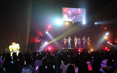 バレンタインの甘さがたっぷり詰まった「3 Majesty × X.I.P. LIVE -5th Anniversary Tour in Sanrio Puroland-」ポムポムプリン公演をレポート